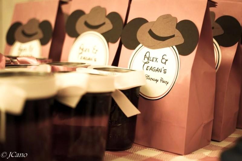 Kleine traktaties kun je ook een cowboy-touch geven Beeld: Janet via Flickr